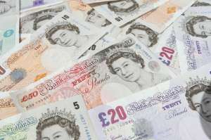 UK currency notes __ slight selective focus on foreground